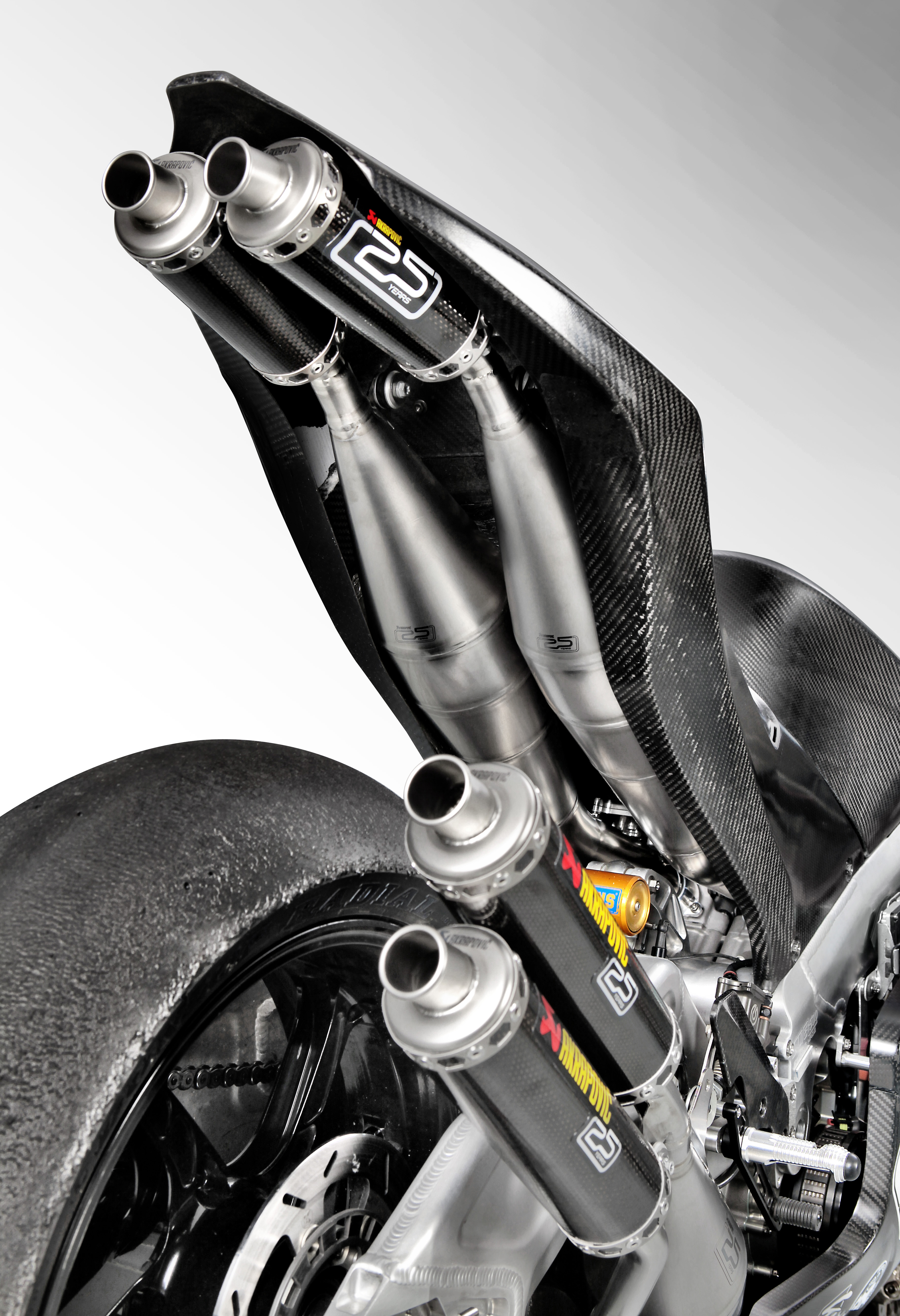 Akrapovič Heads to the 'Island' with Suter and Its First Two